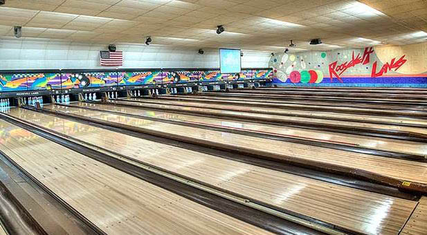 photo of bowling lanes at Roosevelt Lanes in Allen Park, MI