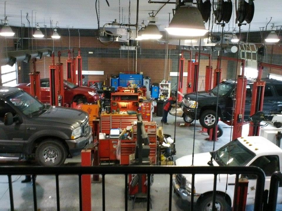 Roy's uses the latest automotive technology to repair your vehicle