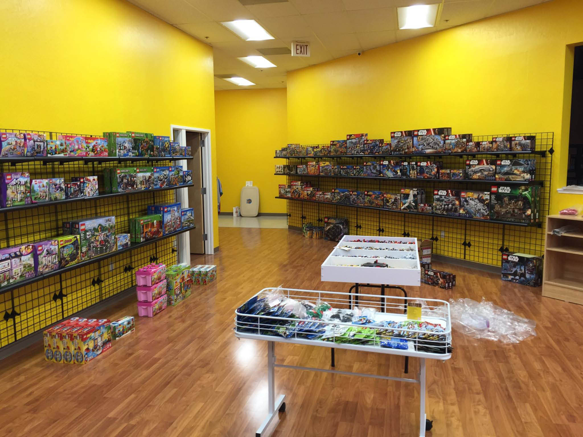 Bring your LEGO sets and bulk into our Bricks & Minifigs store in Concord