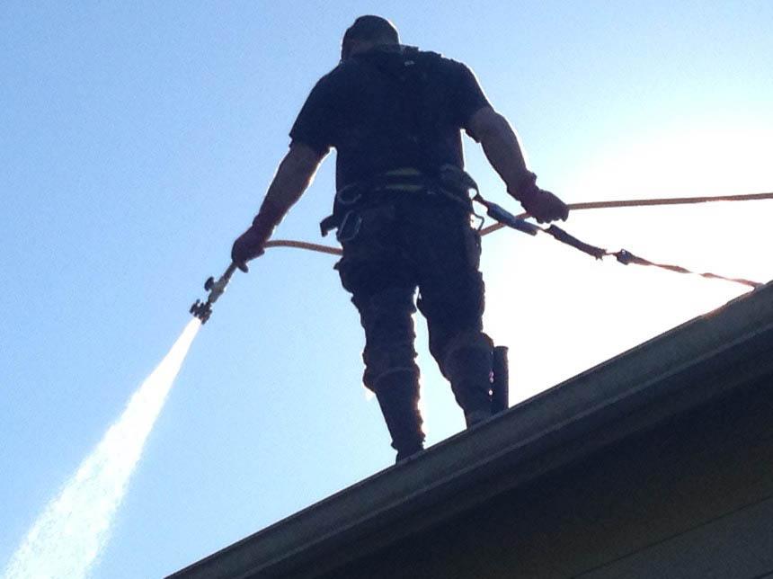 Shine Power Wash - Kirkland, WA - Professional pressure washing - professional pressure washers - professional power washing - roof cleaning