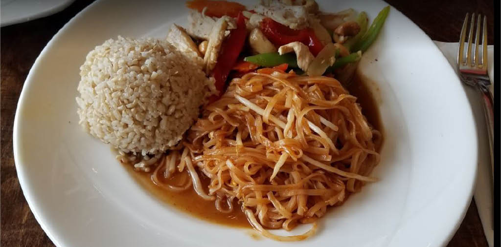 Huge selection of fresh and delicious Thai food served at Silver Spoon Thai Restaurant in Redmond, Washington - Thai food coupons near me