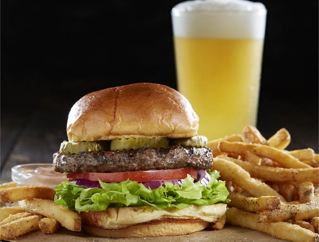 Enjoy a burger and beer from Sizzler in Tukwila, WA and Tacoma, WA - Lakewood, WA - Tukwila restaurants near me - Tacoma restaurants near me - dining near me