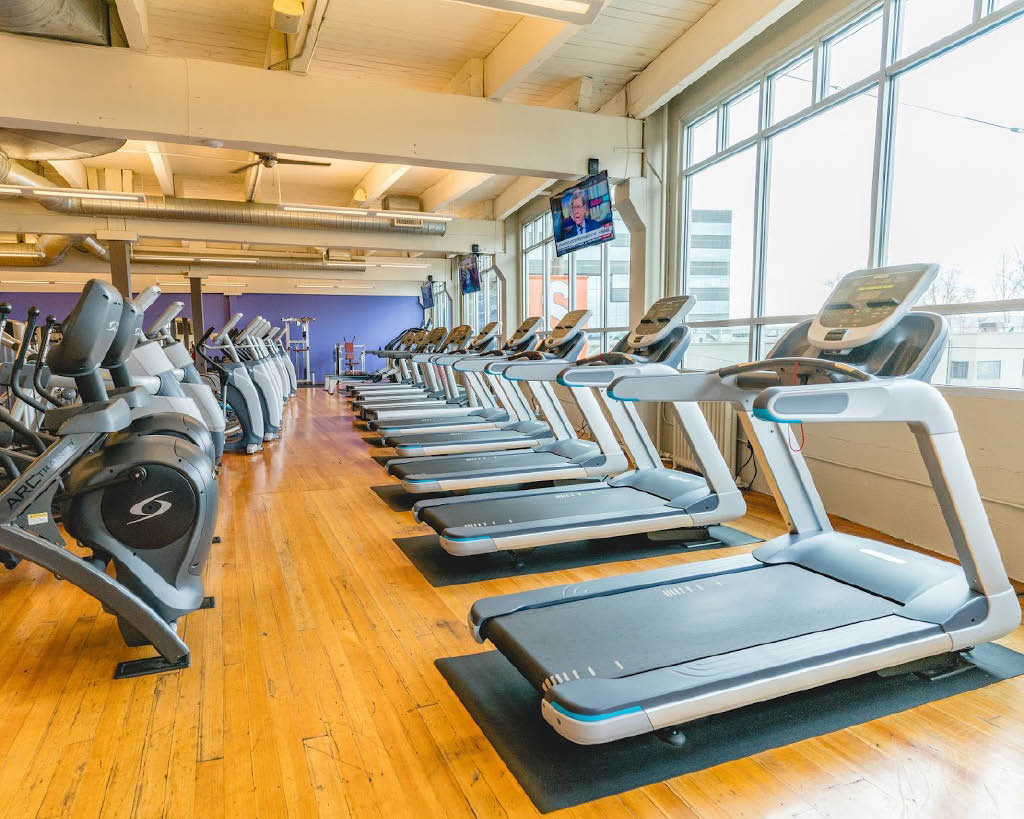 Soul Fitness health club in Seattle, WA has a huge selection of cardiovascular equipment - treadmills - elliptical machines - Queen Anne - Belltown