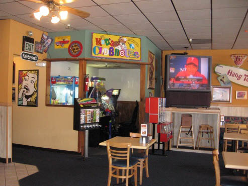 Kids entertainment and games at Straw Hat Pizza
