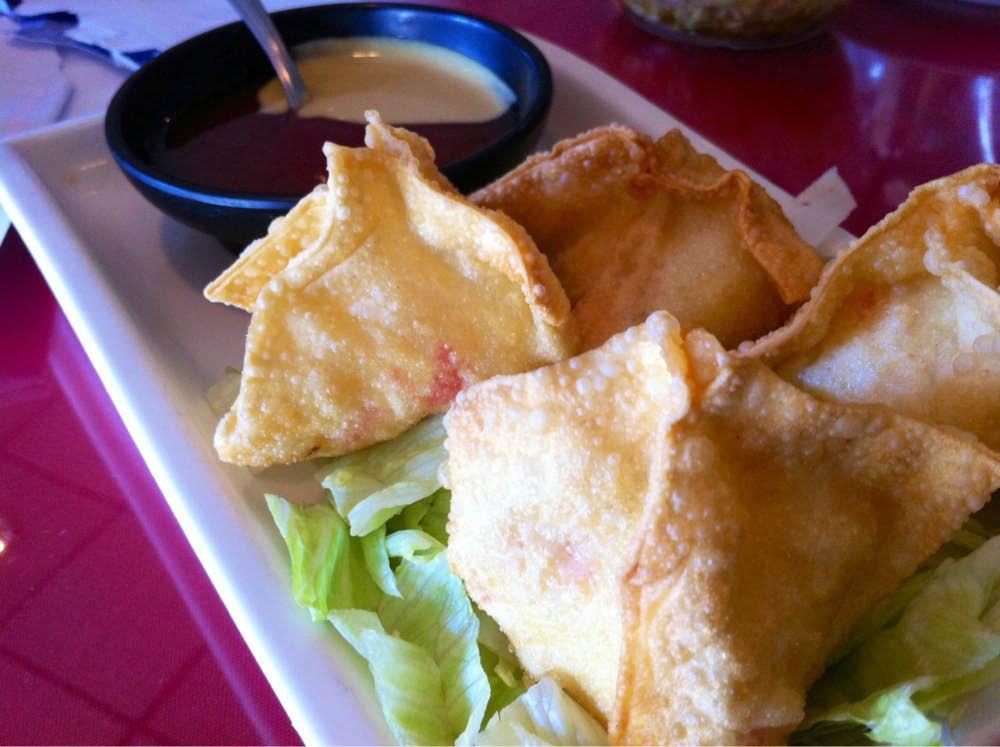 Taiwanese food fried dumplings and sauce