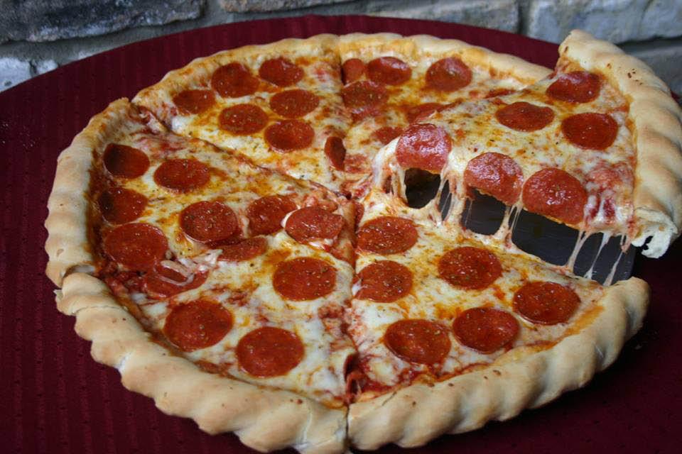 deep dish pepperoni pizza in Carpentersville, IL