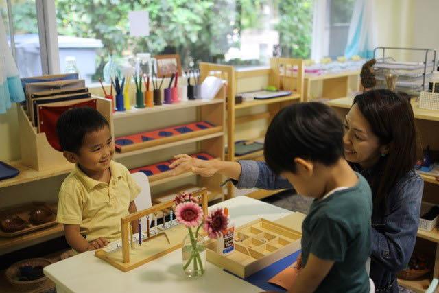 Pikake School Montessori - biluingal school for children - Bellevue, Washington