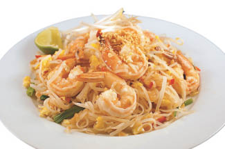 Thai shrimp noodle with curry and peanuts
