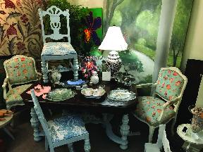 Shop local Unique store in Guflport Gulfport art district shopping