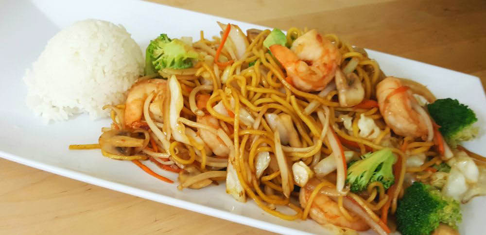 Chow Mein and rice from Tokyo Teriyaki in Redmond, Washington - Redmond teriyaki restaurants - Japanese and Chinese cuisine
