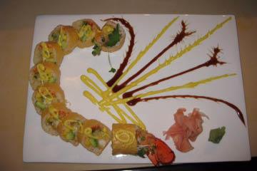 tomo-japanese-sushi-indianapolis, sushi roll, traditional