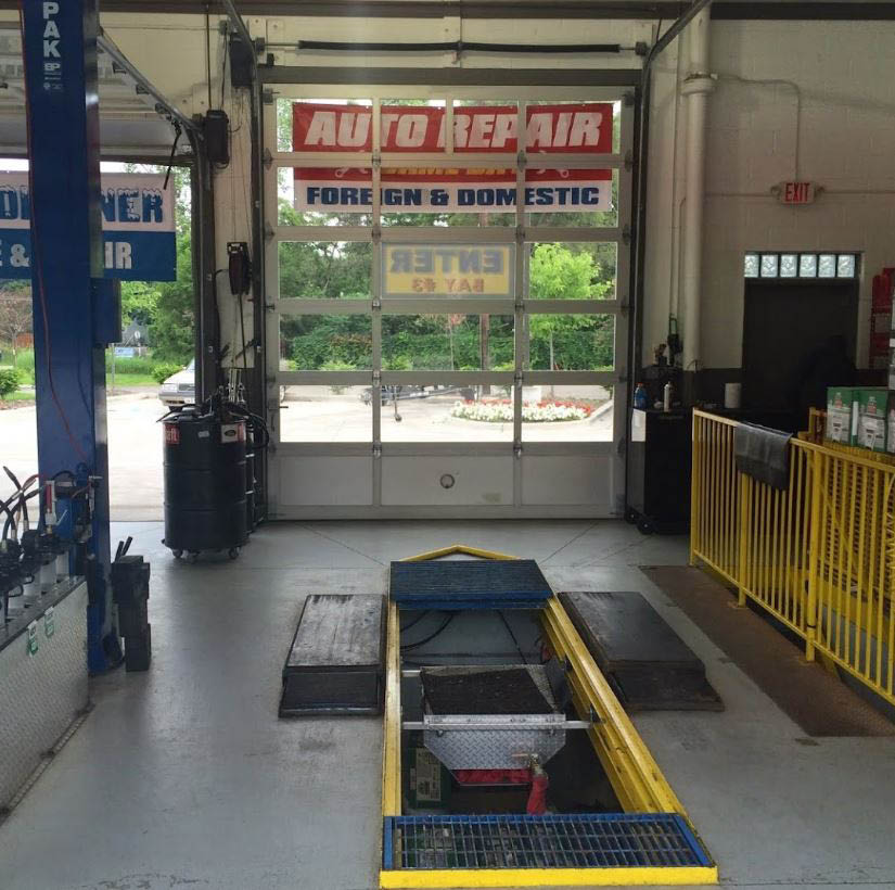 photo of interior car bay at Top Lube Center in Commerce, MI