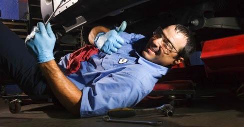 Valvoline-Instant-Oil-Change-San-Antonio-Coupon-Service-Technician