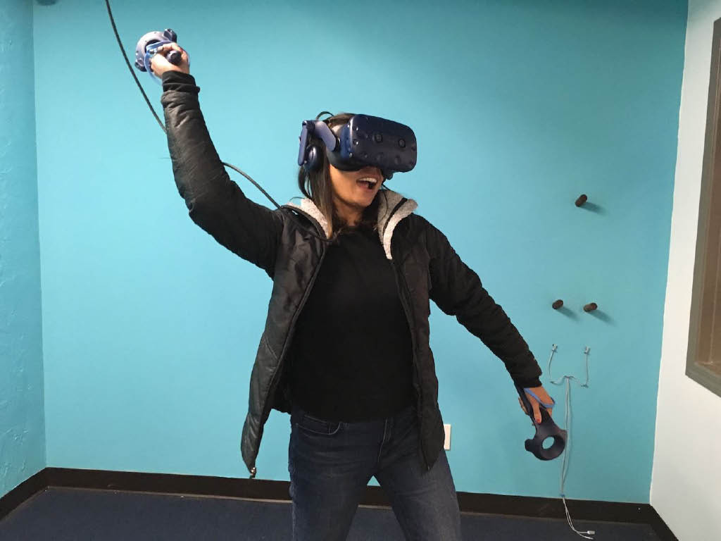 Play virtual reality games at VR Go! in Seattle, Washington - entertainment coupons near me - have fun in Seattle - virtual reality gaming