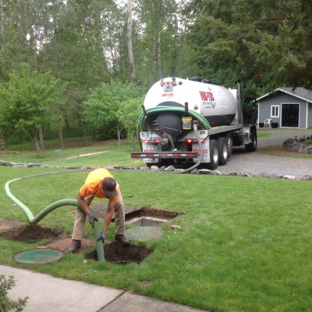 Professionally trained septic pumping technicians at Vac-Tec Septic-Water - Puyallup, Washington