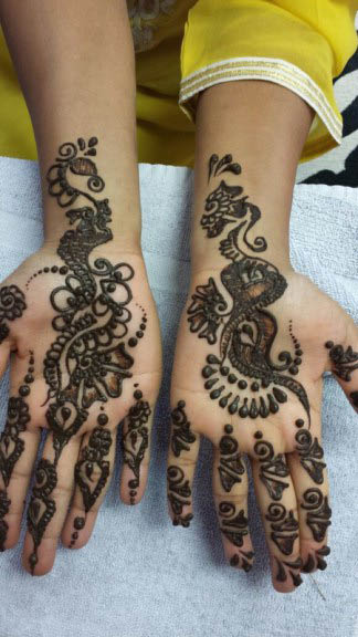 Henna tattoos and more near Willowbrook