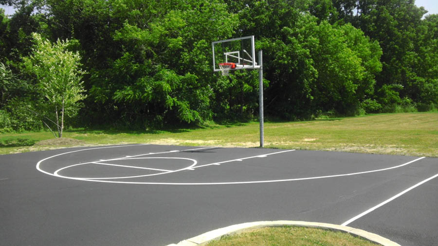 Sealcoating of sport courts - sealcoat your basketball court - sport courts sealcoating - WA Driveway Repair in University, Washington