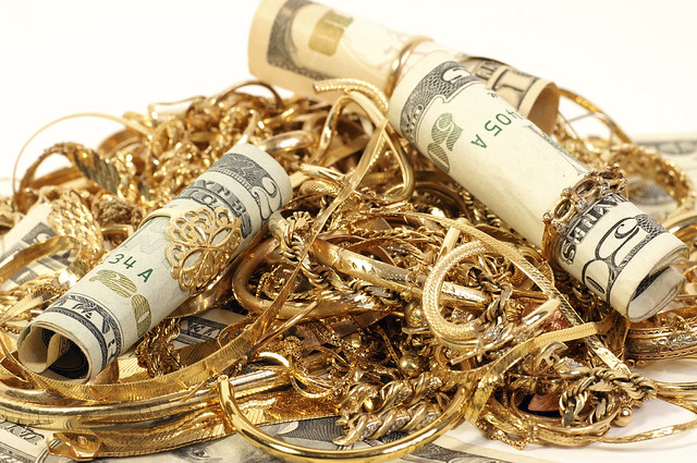 Get cash for gold - Warren Jewelers offers 0% financing for 12 months - custom jewelry design - jewelry manufacturing - jewelry repair - Kirkland, WA - Burlington, WA