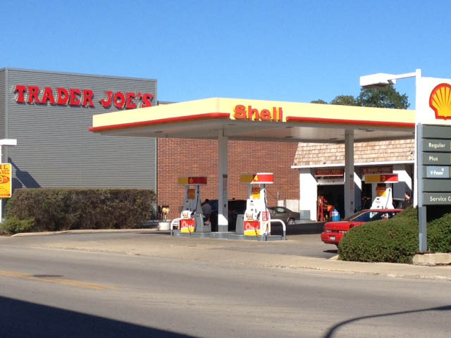 Warren's Shell Service in Evanston, IL is open 7 days a week and no appointment is necessary.