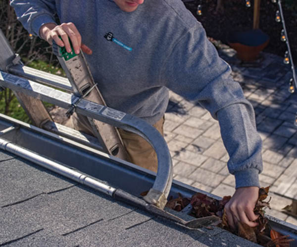 Gutter clean out in Jacksonville