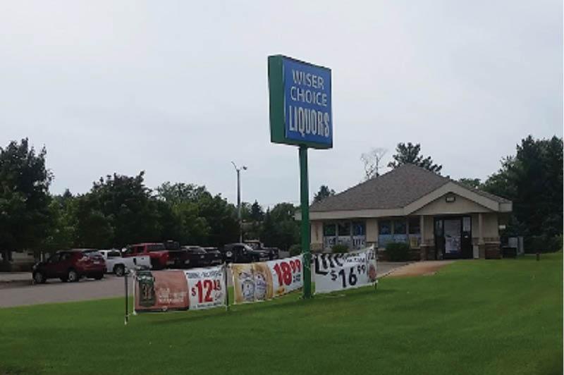 Wiser Choice Liquor sign in Dayton, MN
