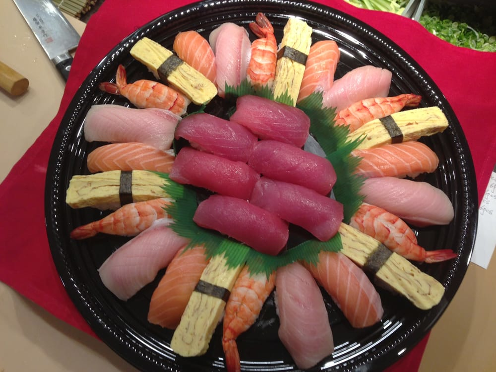 World Gourmet Buffet Fremont, CA Nigiri party tray image
