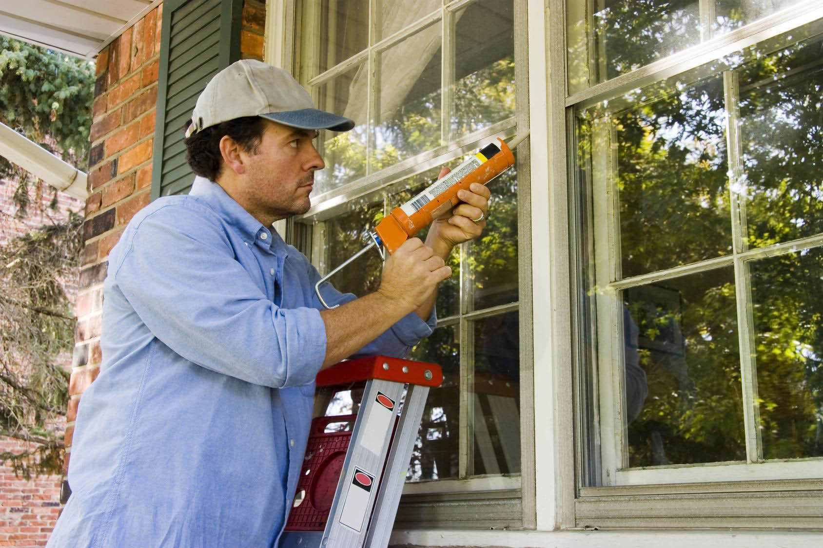 Yellow Dot can add window caulk to help you save energy in Apex, NC