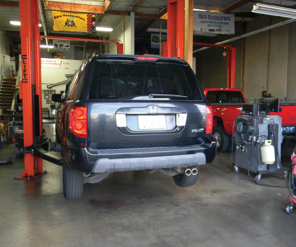 auto repair coupons near me auto service coupons near me truck repair coupons near me Mission Viejo Transmission mechanic Honda Mechanic in Mission Viejo Oil Change coupons mission viejo Smog Check Mission Viejo