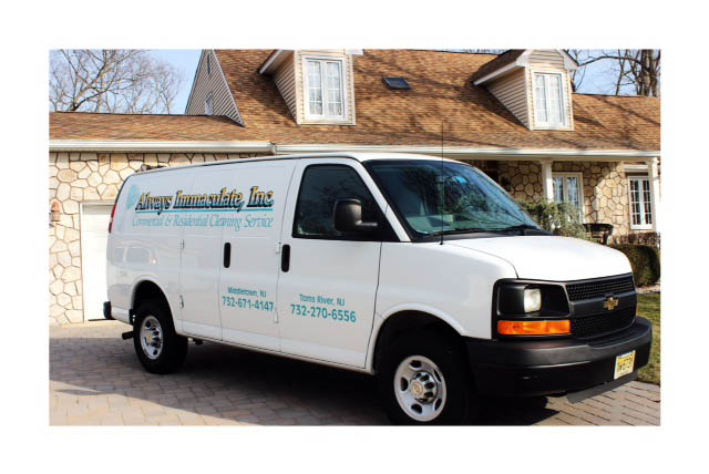 Blinds,Vacuum Carpets,Wipe Cabinets,Wipe Baseboards,Countertops,Drip Pans,Disinfect Sinks,Dust Fans,Disinfect Toilets,Chemically Treat Mildew,Doors & Door Frames,Knick-Knacks,Exterior and Interior of Range Hood,Top & Front of Range,Exterior of Cabinets