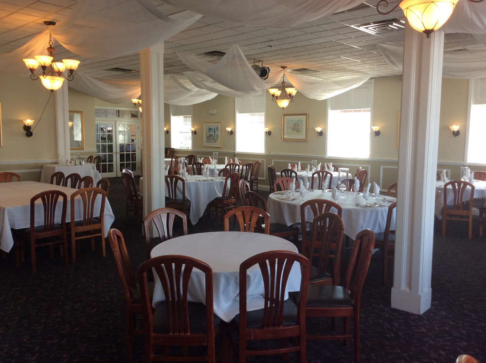 Private function rooms are available for up to 100 guests. With White linen tablecloths, in a well cared for restaurant & a staff that wants your experience to be special.