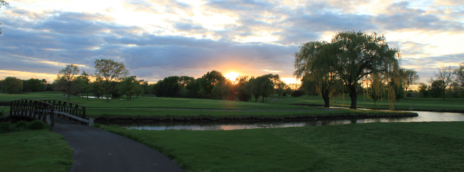 Sunset at the golf course with bridge near Arlington Lakes