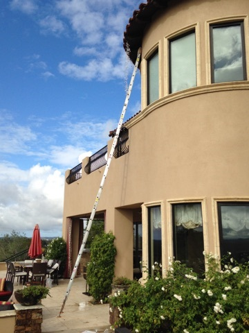 All-Pro Window Washing cleans exterior screens and windows