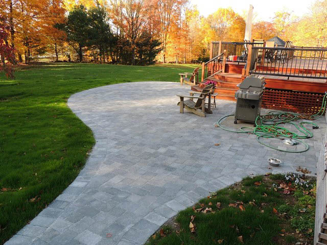 Our landscaping company can create pathways and walkways