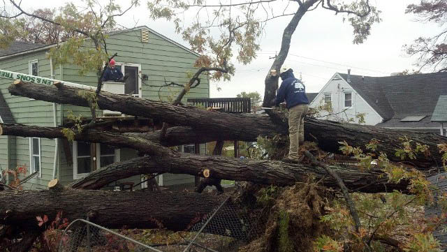 24/7 Emergency Service/Storm Damage Response in Baltimore md