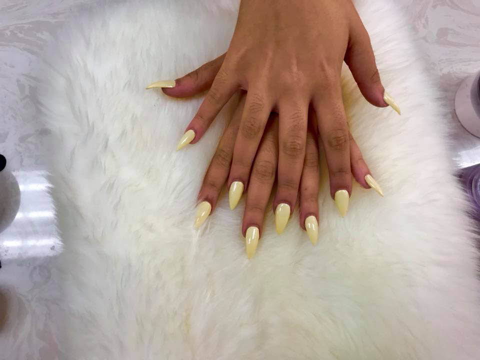 Womens Manicure In Yellow Spas And Salons In Coral Springs Fl