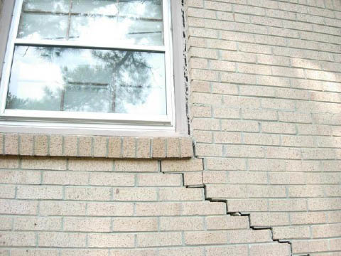 Cracks in exterior wall & window due to settling in Jacksonville, FL