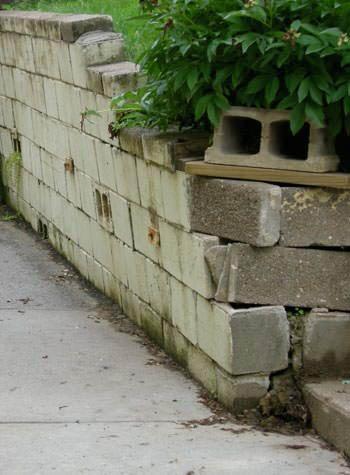 Concrete blocks shifting near Tallahassee, FL