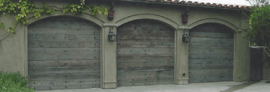 Garage Door Service Co. in Phoenix, AZ, overhead door panels, a garage door, garage door hardware,