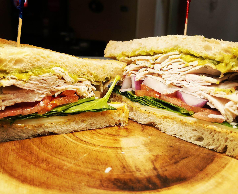 cafe, lounge, salad, sandwich, vegetarian, soup, breakfast, coffee, organic, craft beer, tea; california, md