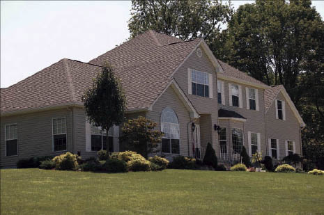 Large or small roofing projects. Roof repairs & replacement. Baltic Company Inc. does residential & commercial roofing installations