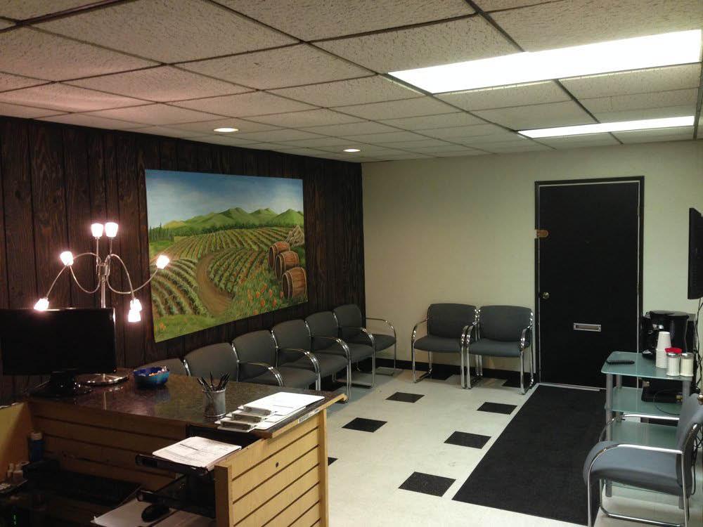 Clean comfortable waiting room at Bayfair smog in San Leandro; smog check discounts