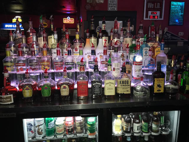 BREAKERS BAR, PHOTO OF LIQUOR
