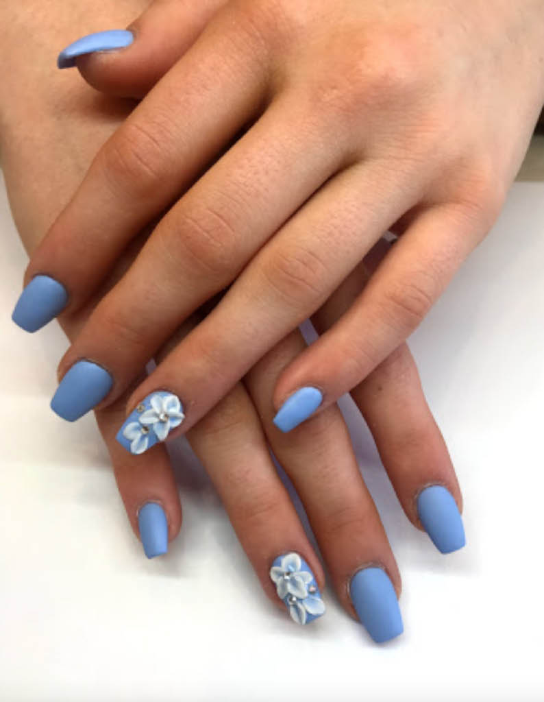 Pretty-blue-nail-design