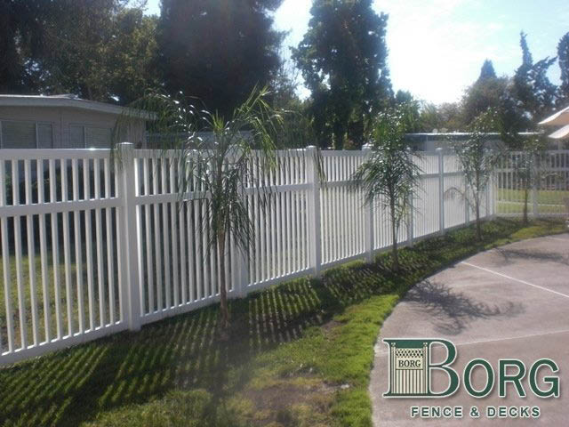 vinyl fencing by Lifescaping Outdoors Sacramento, CA; vinyl fences; panels