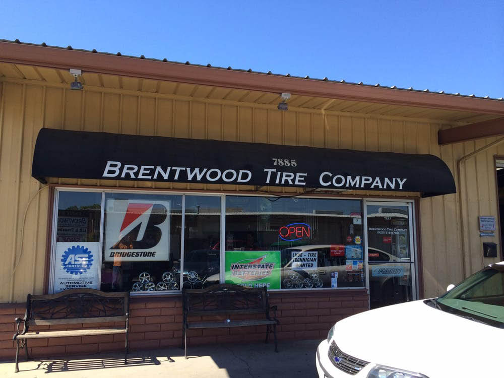 Exterior of Brentwood Tire Company