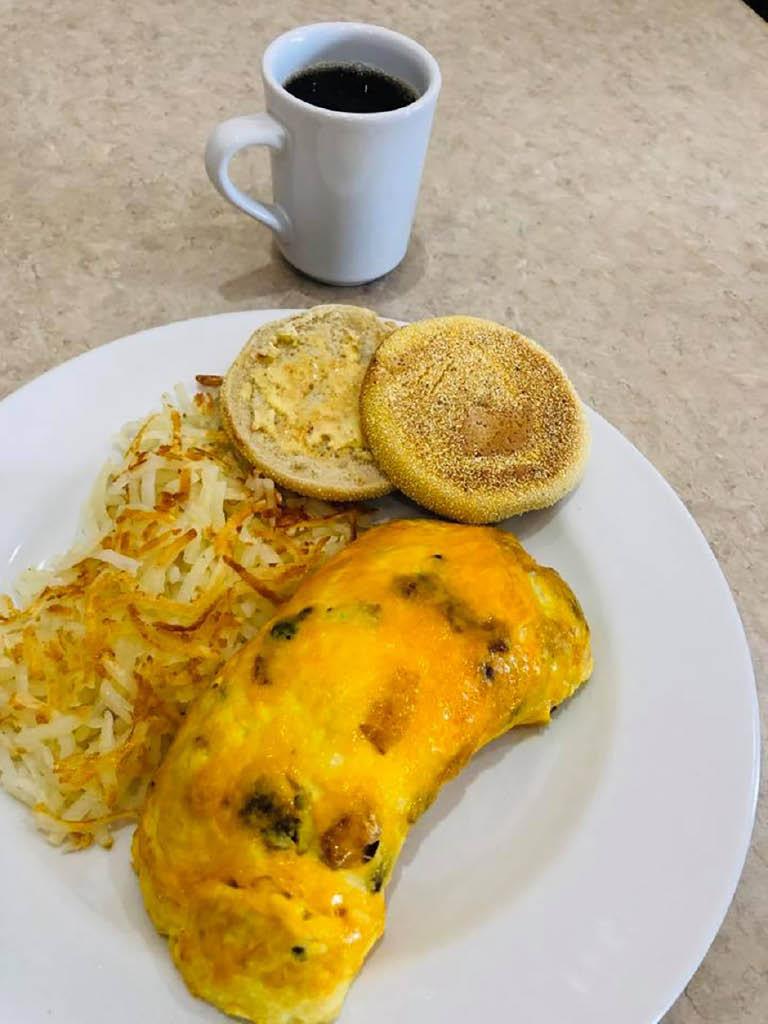 broken egg restaurant Milwaukee WI
