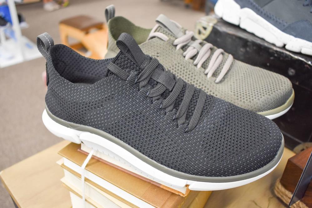 men's walking shoes; sneakers; fitness wear