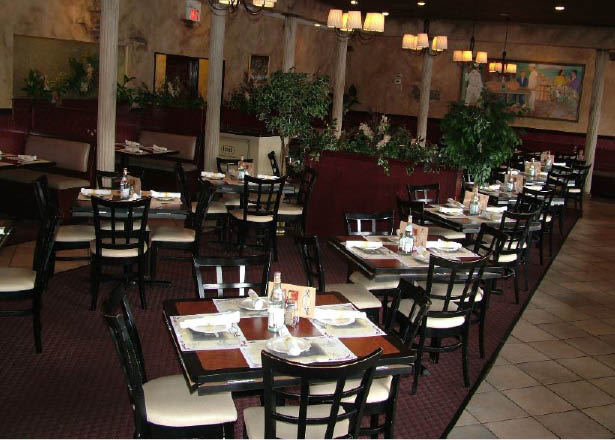 interior dining room; Carluccis West Windsor, NJ; pizza, Italian food, lunch, dinner, catering