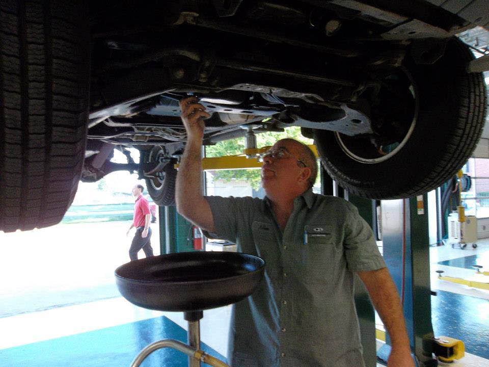 Oil change at auto shop near, Polk City, IA