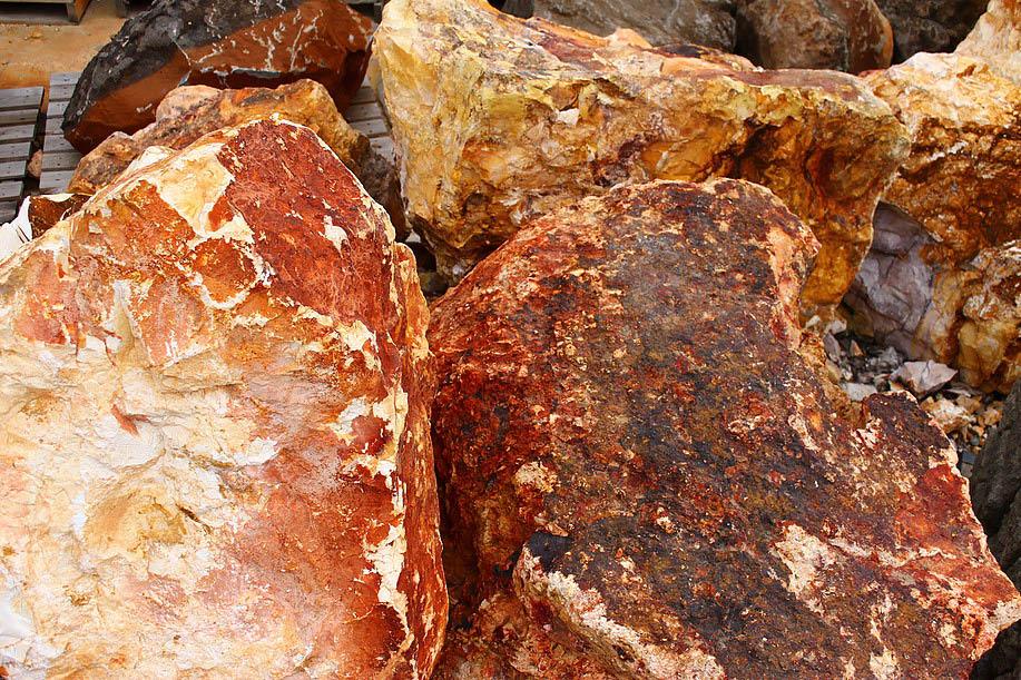 Decorative Large Landscaping Rocks For Garden